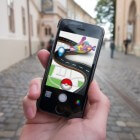 Langer Pokémon GO en andere apps spelen met een powerbank